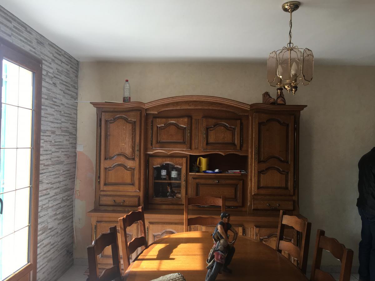 Rénovation entrée, salon, séjour, couloir en peinture. Conseils et ventes en suspension.