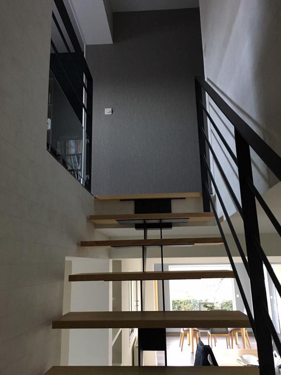 Pose d'un nouvel escalier Bois et Métal<br>