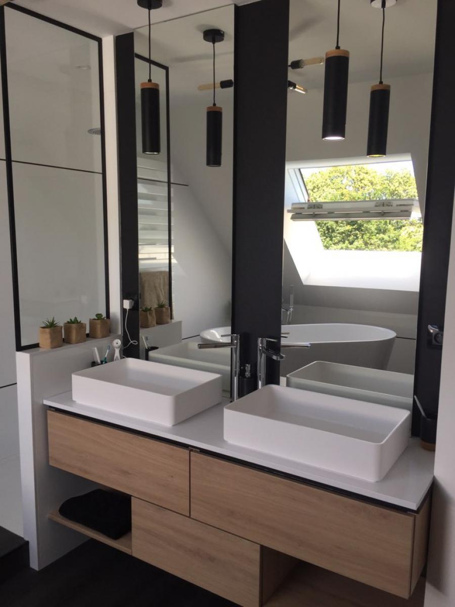 Salle de bain après travaux, avec l'installation d'un meuble double vasque