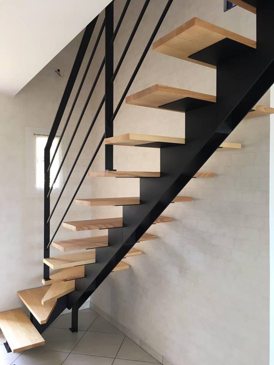 Pose d'un nouvel escalier Bois et Métal